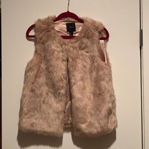 Dusty rose faux fur vest